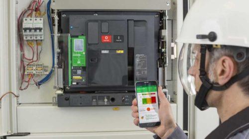 Nová generace jističů ovládaných smartphonem