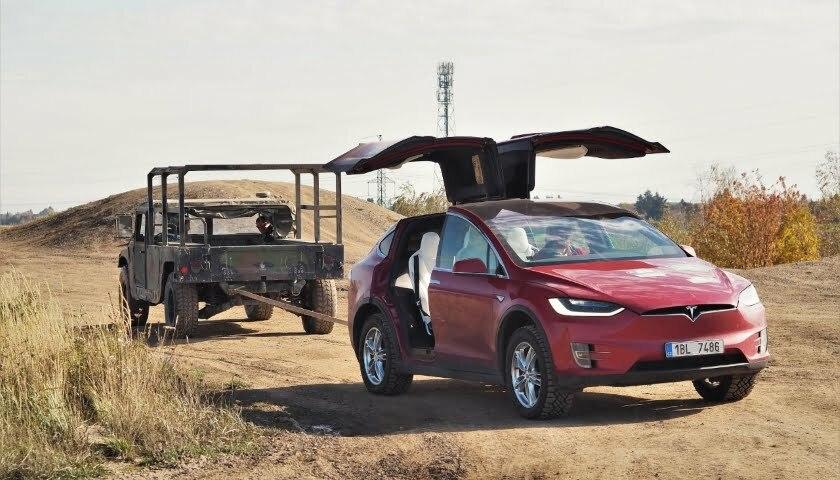 Hummer Tesla