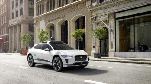Autonomní vozidla Waymo najela na veřejných komunikacích 20 milionů mil