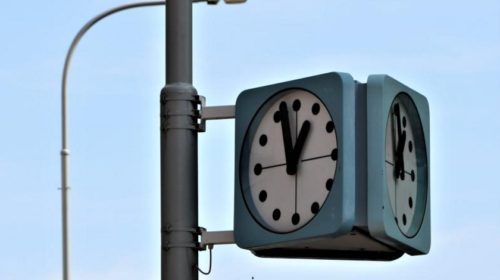 Praha zavádí chytré veřejné hodiny