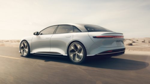 Americká společnost Lucid představila své první sériové elektrické vozidlo