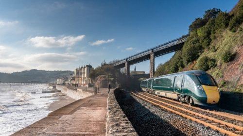 Hitachi Rail oznámila plány na testování dálkových vlaků napájených bateriemi